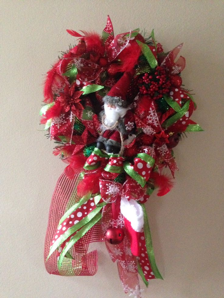 Small christmas wreath.  Added ribbon strips, bow, Santa on a sledge, christmas balls, red bird, flowers.  More at  https://www.facebook.com/Moje-vence-995508700482994/