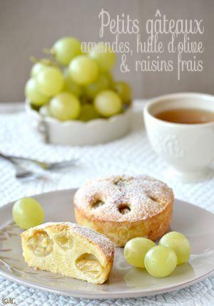 Cette année, j'ai envie de cuisiner un peu le raisin frais… Pas évident d'imaginer des recettes avec ce fruit qu'on a plutôt l'habitude de manger brut. C'est un peu par hasard qu'il a finit dans ces petits gâteaux que je...