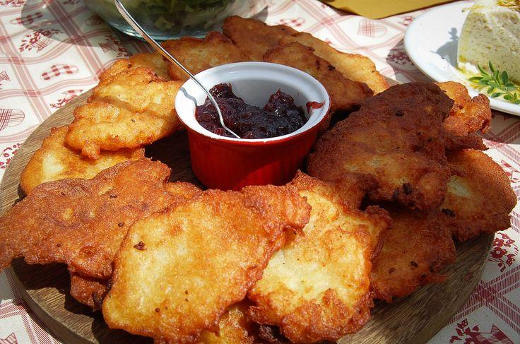ricetta tipica del trentino, i tortei di patate, noi qui vi insegnamo a preparali seguendo la ricetta più tradizionale trentina