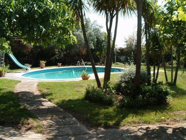 Alquiler de Villa en Nigrán, Galicia, con piscina privada y playa/lago pr��ximos – Niumba
