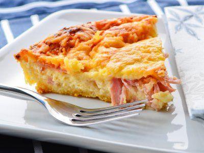 Receta de Quiche de Jamon y Queso   El tipico y tradicional quiche de jamón y queso es lo que podrás preparar con esta receta, ideal para tu desayuno, además de ser muy rendidor.