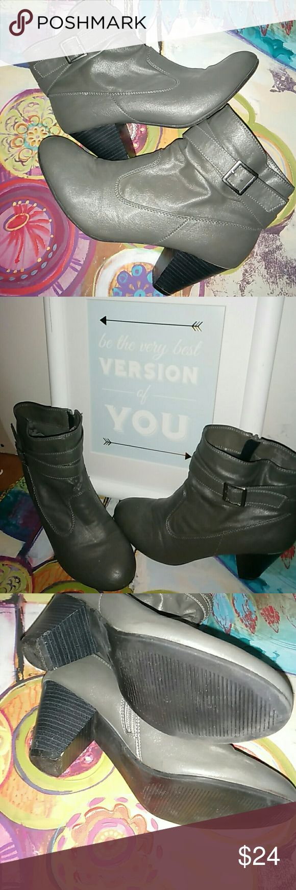 "Grey Cone Heel Bongo Booties /9 Women's Bongo Brand Booties in a charcoal grey color in impeccable used condition!!  2"" cone heel. All man made materials. Zip up style inside ankle. Wrap around straps and buckle for extra detail and a fab fashion statement!! Great looking pair of booties and great for any season!! BONGO Shoes Ankle Boots & Booties"