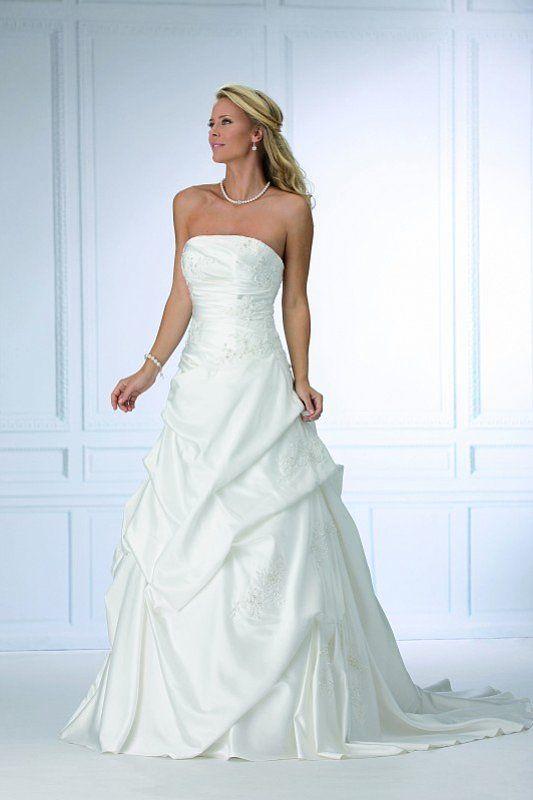56 best Wesele images on Pinterest | Wedding frocks, Bridal dresses ...