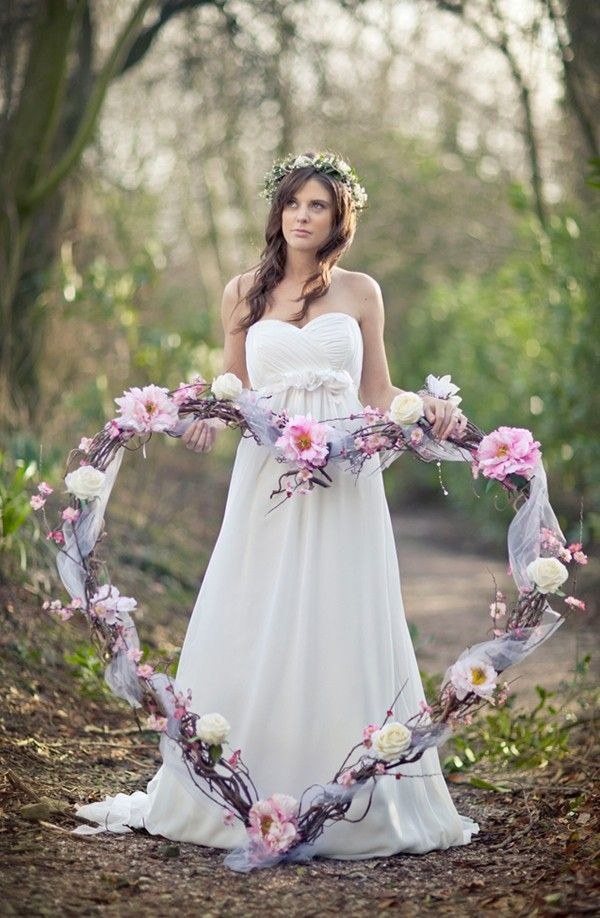 Valentine's day wedding large willow heart decorated with roses and peonies