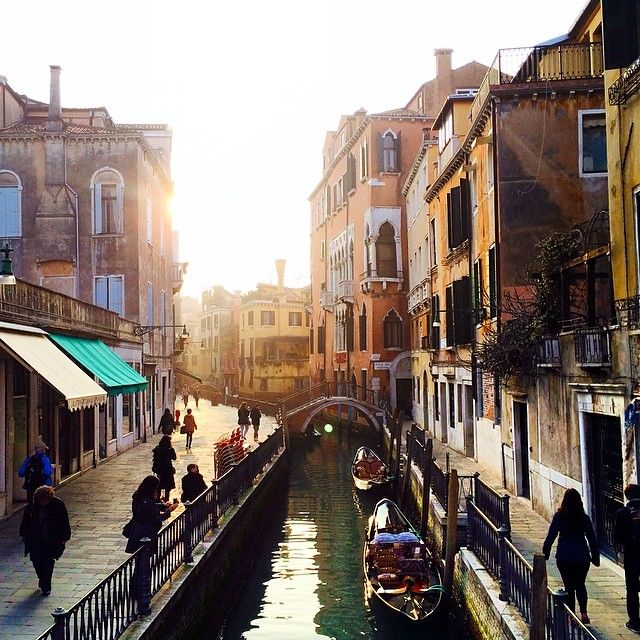 Another dazzling picture of #Venice waterways. We can't get enough. Photo courtesy of travel_photoss on Instagram.
