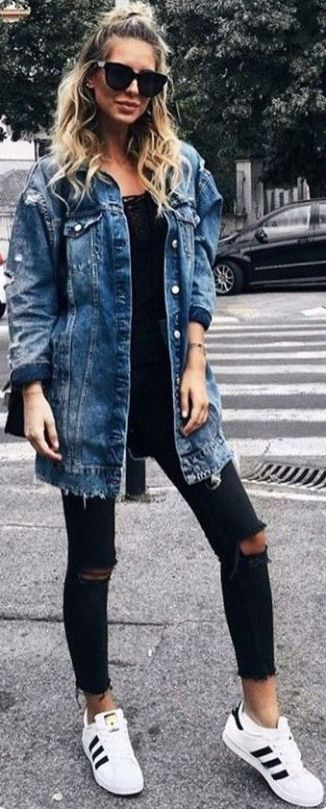 this oversized distressed denim jacket paired with frayed black skinny jeans is a great outfit addition to any fall wardrobe