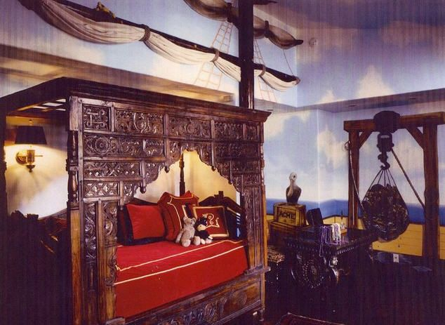 9 Best Captain S Quarters Pirate Ship Bedroom Images On Pinterest Pirate Ships