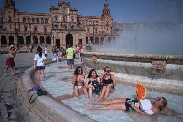 "2017  Zuid-Europa kreunt onder recordtemperaturen, VAB waarschuwt reizigers: ""Zelfs banden kunnen smelten"""
