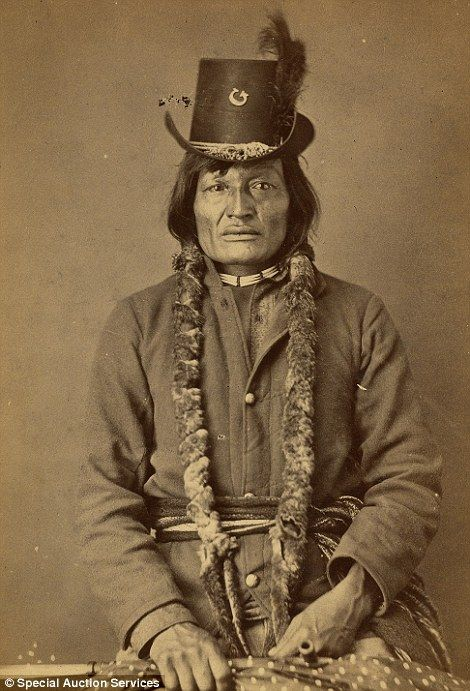 Sitting Bull for the camera: Fascinating pictures of Native Americans show an ancient culture on the edge of a new world | Daily Mail Online