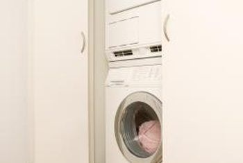 Pros and cons of stackable washer dryer