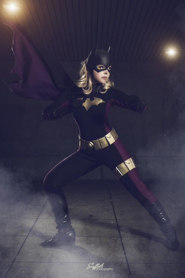 Batgirl (Stephanie Brown) cosplay by Courtoon, photograph by Saffels Photography