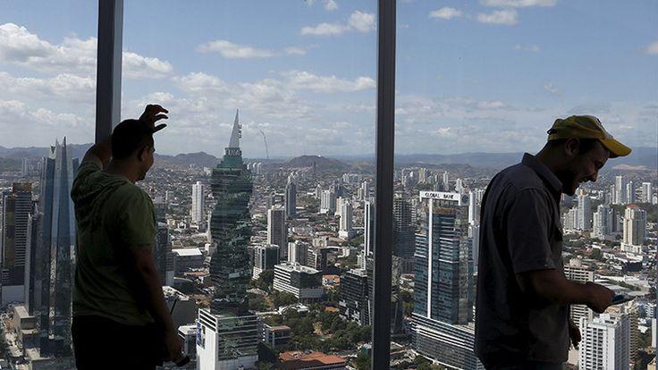 ¿Rockefeller y la CIA?: Sepa quién está tras los filtradores de los polémicos 'papeles de Panamá' - RT