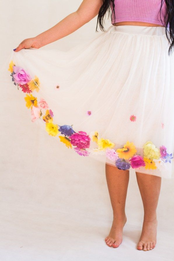 DIY Fake Flower Tulle Skirt Tutorial. This would make a good Cosplay outfit.