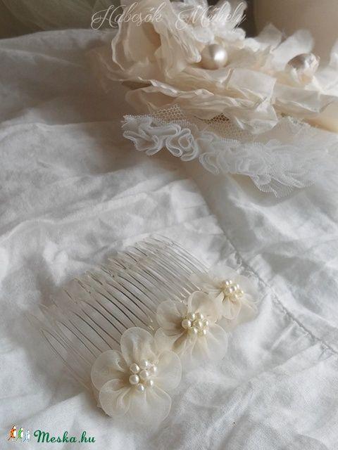 Meska - Virágos fésű - Charm habcsokmuhely kézművestől