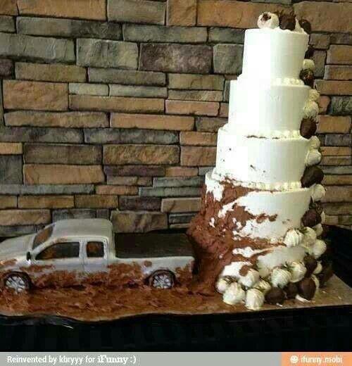 Redneck wedding cake!!  Keywords: #redneckweddings #jevel #jevelweddingplanning Follow Us: www.jevelweddingplanning.com www.pinterest.com/jevelwedding/ www.facebook.com/jevelweddingplanning/