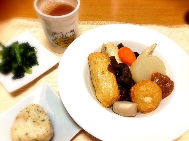 青森で食べたしょうが味噌のおでんが食べたくて作ってみました。 - 9件のもぐもぐ - しょうが味噌おでん、青菜の中華炒め、お握り by まりこ