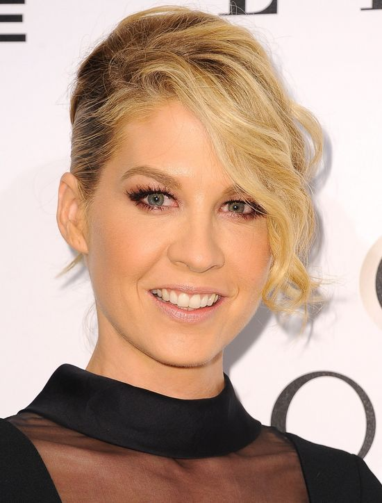 Jenna Elfman Took a Risk With This Hair and Makeup—I Think She Killed It (You?)