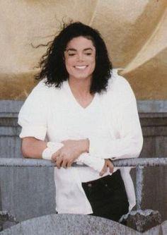 Michael jackson te quiro eres un angle  bueno ♡♡♡