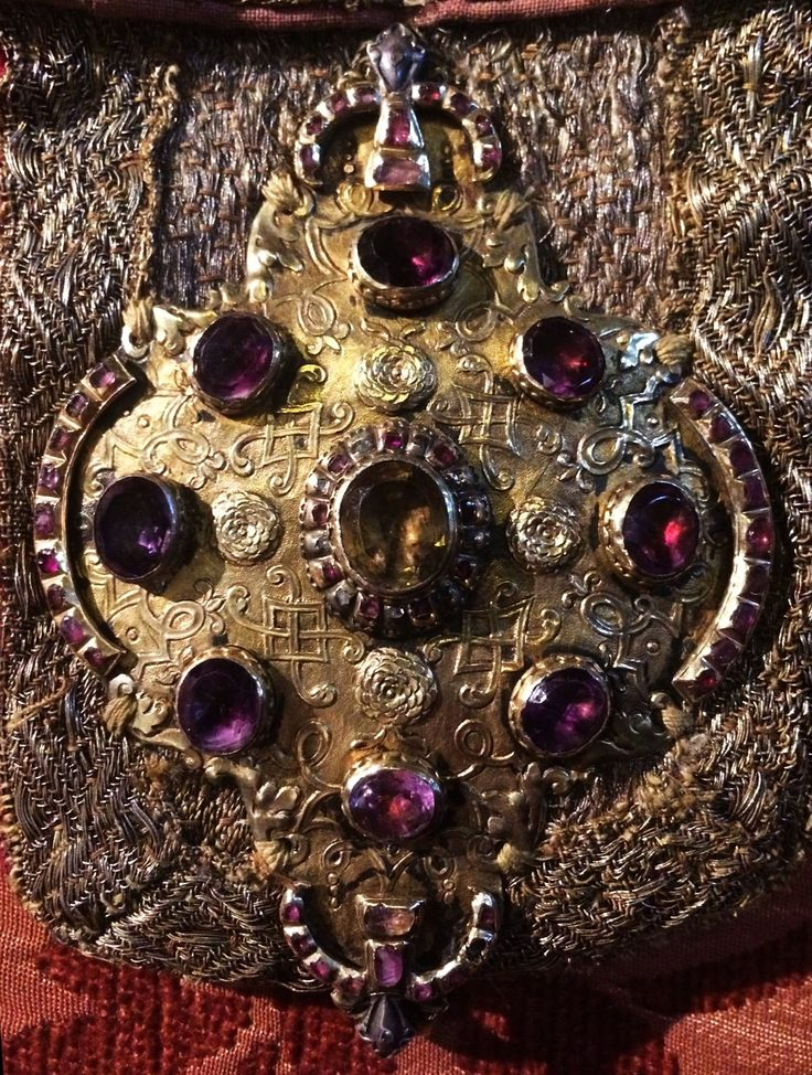Silver clasp set with precious stones of coronation mantle of Michael Korybut Wiśniowiecki by Anonymous from Poland, before 1669, Muzeum Katedralne na Wawelu