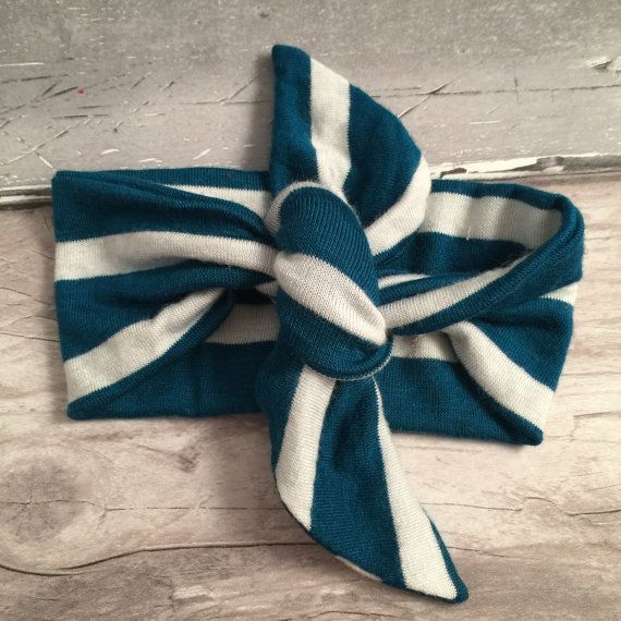 Hoi! Ik heb een geweldige listing op Etsy gevonden: https://www.etsy.com/nl/listing/262836610/baby-headwrap-knoop-hoofdband-baby-bow