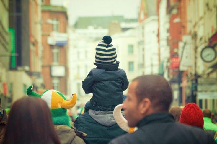 Çocuklarla seyahat etmek için Avrupa'nın en iyi 10 kenti olarak ünlenen aile dostu Avrupa ülkeleri, sömestr tatilinde gidilecek yerlerden hangisini seçsek diye düşünen anne babalar için oldukça ilham verici. Her yaştan çocuğu memnun eden, güvenli ve düzenli çocuk dostu bu tatil şehirleri, keşfedilmeyi bekliyor...