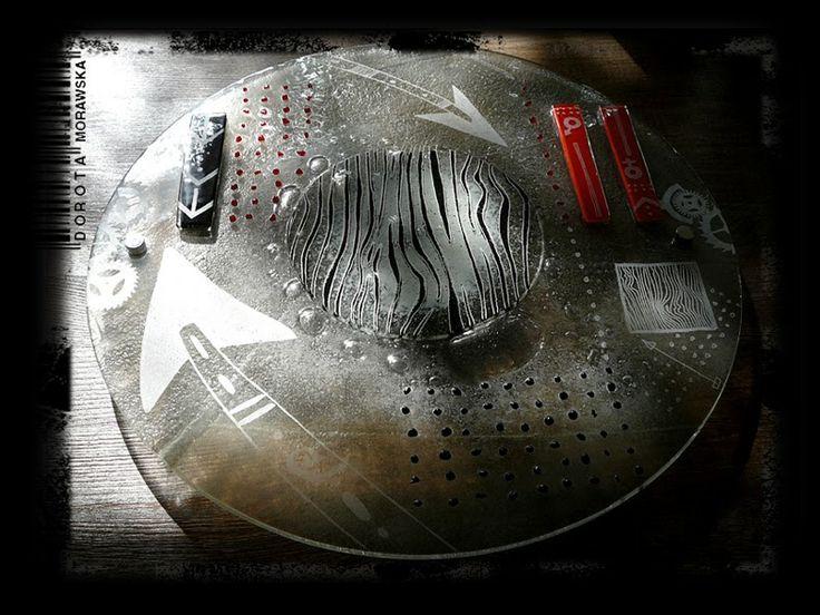 Dorota Morawska     UFO     2013 http://artglassandceramic.blogspot.com/