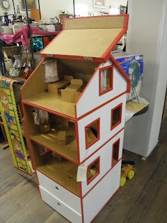 Look how cute and simple and with storage in the bottom. No instructions, just this photo. I copied this from a vintage/retro retailer at Mill Markets - Ballarat, Vic, Australia
