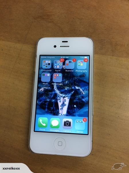 Very good condition WHITE IPHONE 4S  Factory reset 16 GB MODEL  Includes: Two 4s Compatible Charging Cords (One used apple branded, and one used compatible BLAC...