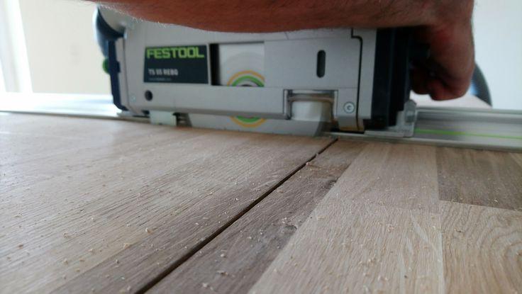 Concealed cut with the solid wood oak-kitchen-worktop    #holzliebe #woodlovers #woodwork #holzarbeit #handwerk #handmadeisbetter #handmadeingermany #crafts #craftsmanshipmatters #craftsmanship #craftdesign #productdesigner #woodfurniture #furnituredesigner #carpenter #festoolfan #festoolsaw  #tischlermeisterin #lhkmanufaktur #interior4you #interiormagazine #handwerkerin #carpenter #werkstatttagebuch #interior_manufaktur