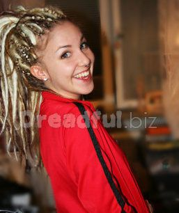 Nice blonde DE dreads in a ponytail.  #dreads #dreadlocks #synthetic #dreadfulbiz
