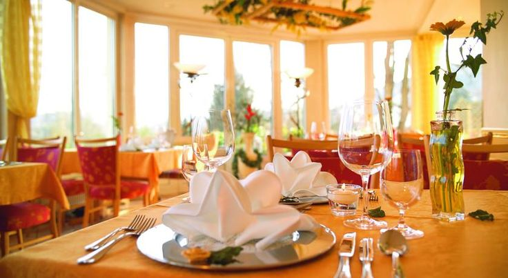 KIShotel am Kurpark Bad Soden-Salmünster Situated within 200 metres of the Spessart Therme Spa and the spa gardens, this hotel lies in the heart of Bad Soden-Salmünster. KIShotel am Kurpark offers free Wi-Fi and regional cuisine, and some rooms have a balcony.