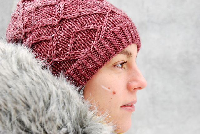 Ravelry: Gespeg pattern by Ariane Caron-Lacoste. THIS WOULD ALSO MAKE A GREAT MENS HAT