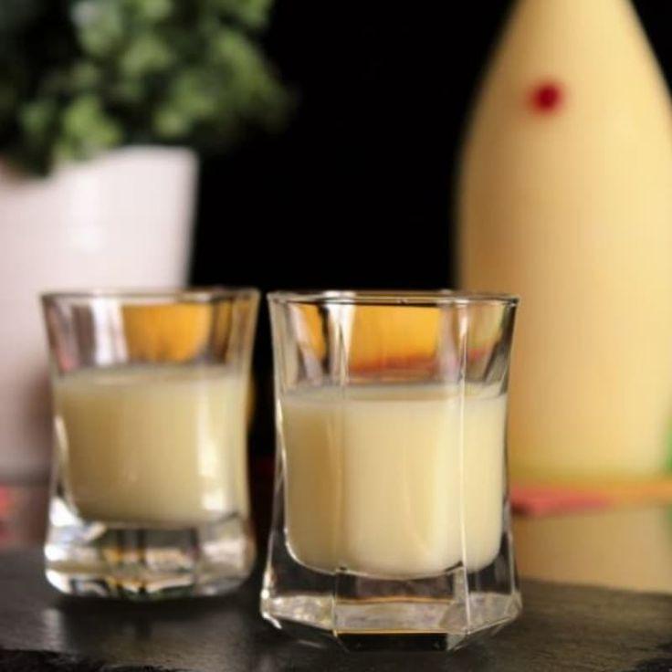 Se volete sorprendere i vostri amici con un liquore agrumato fatto in casa, noi di Oreegano abbiamo la soluzione! (Ricetta di Da leccarsi le dita)