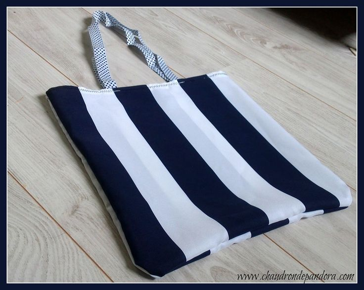 Sac marin blanc et bleu pour la plage