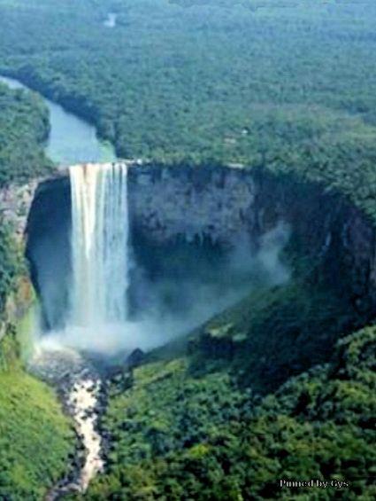 Kaieteur Falls, Brownsberg, Suriname