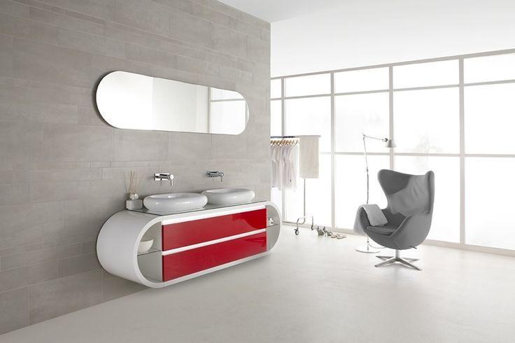 Artistieke rode wastafel voor in de badkamer