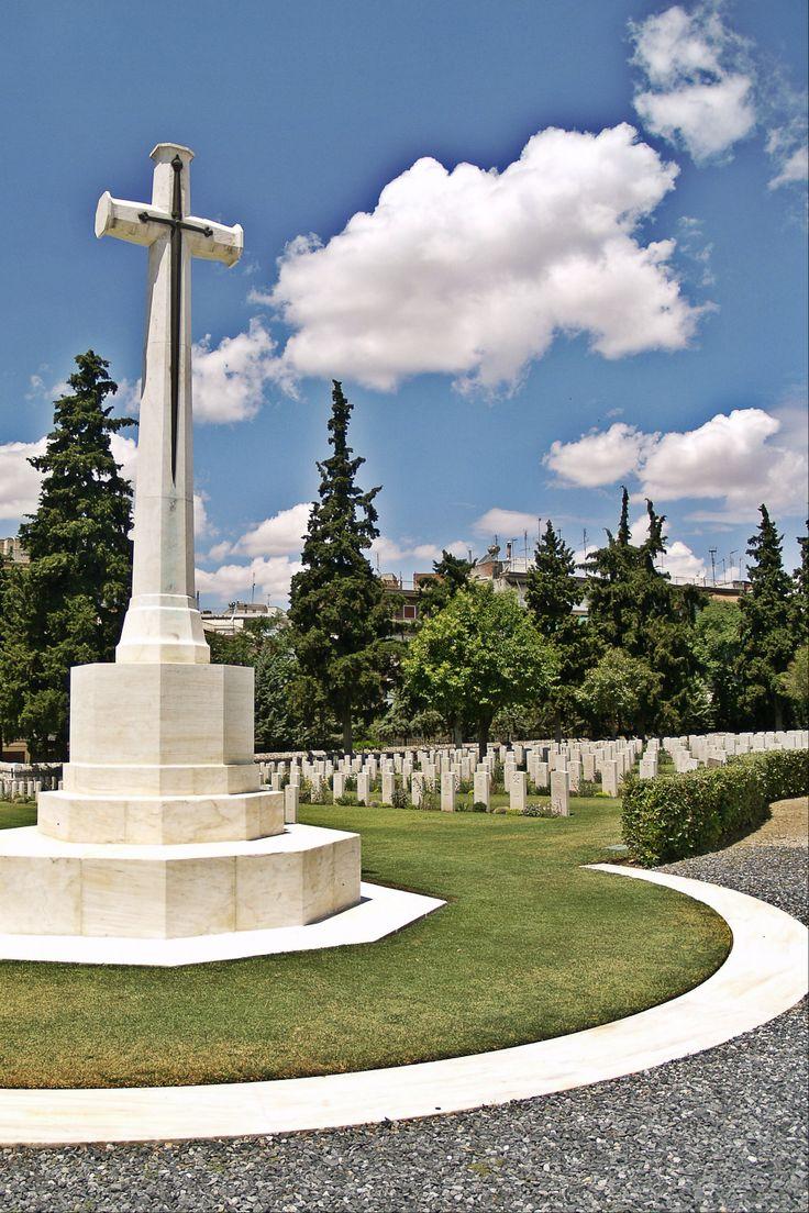 The Cross of Sacrifice of the British Sector of Zeitenlik. (Walking Thessaloniki - Route 19, Terpsithea)