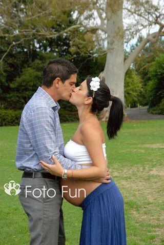Dani & Mark pregnant of Marco, Hamilton gardens