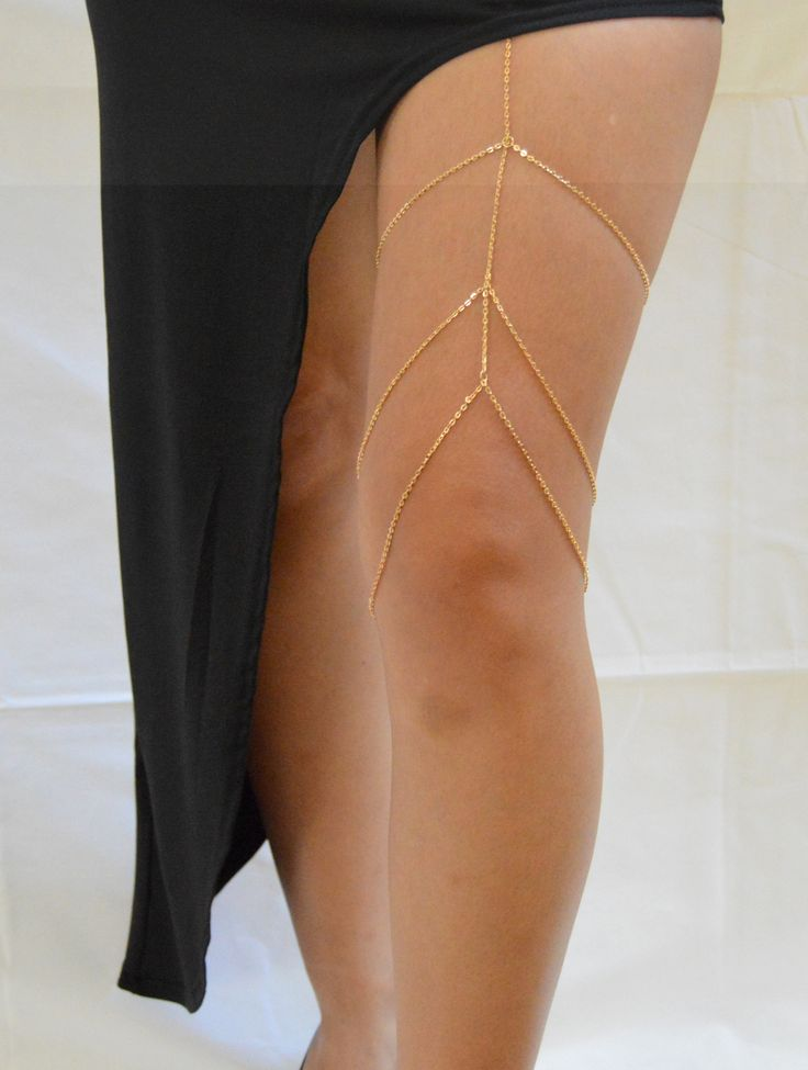 Material : alloy+Black Elastic Colors Available: Silver/Gold Black Elastic at the top stretches to about 14 inches
