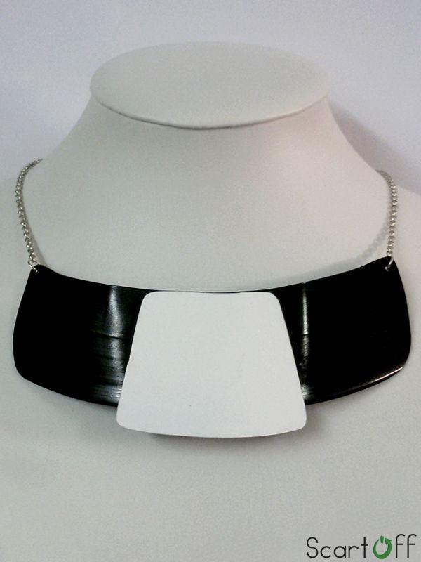 http://www.scartoff.it/catalogo-scartoff/cucitoeaccessori/product/29-collana-in-vinile