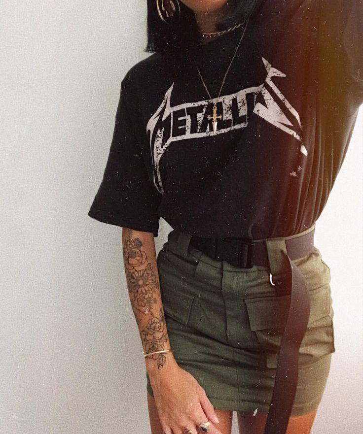 Pɪɴᴛᴇʀᴇsᴛ ~ ᴇᴍᴍᴀ_ᴡᴇᴇᴋʟʏ  ☆ Instagram baddie outfit inspiration / ideas fashion nova Metallica khaki skirt black and white grunge Sophie Rimmer