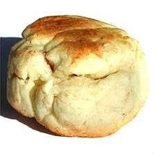 Scones är lika uppskattade på söndagsbrunchen som till vardagsfrukosten eller mellanmålet! Här hittar du vårt enkla grundrecept på scones.