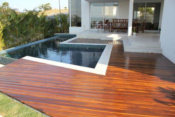 Fotografia de Deck de piscina por Keller & Cia #519180.