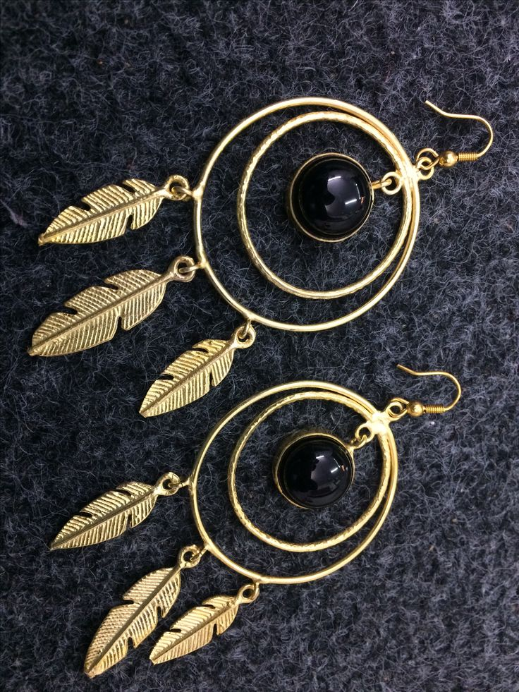 Brass gold plated black onyx earring. Available for sale. Price is 18 $ for one. Shipping world wide true Normal is 3 $ and for additional item 1 $ extra and express fast courier is also available. #unitedstates #dubai #bahrain  #america #spain #turkey #istanbul #iran #germany #california #newyork #boston #costarica #australia #england #france #canada #lebanon  #paris #italy #romania #ashmarjewelry #texas #newhampshire #miami #florida #brazil #russia #chile #portugal