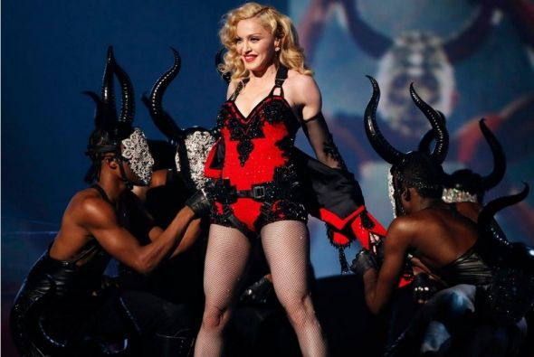 Illuminati Conspiracy During 2015 Grammy Awards Conclusive? Madonna Performs a Demonic Ritual while the Crowd Cheers on with Horns On
