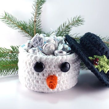 Frosty the Snowman inspired Christmas decoration, snowman crochet bowl, Christmas decor, white basket with black top hat, Christmas party