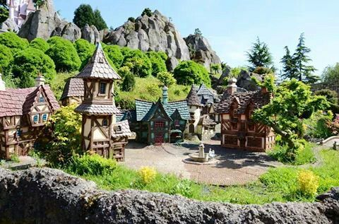 Les Pays des Contes de Fées | Fantasyland | Disneyland Paris