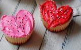Καπκέικς σε σχήμα καρδιά (κι ας έχεις στογγυλά φορμάκια)
