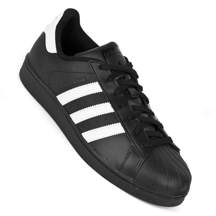 Adidas Superstar Herrenschwarz/weiß - Revival eines Klassikers    Eine wahre Sneaker-Ikone kehrt zurück. Der Adidas Superstar ist ein legendärer Klassiker von Adidas - unverwechselbar im Design, hier inder Variante für...