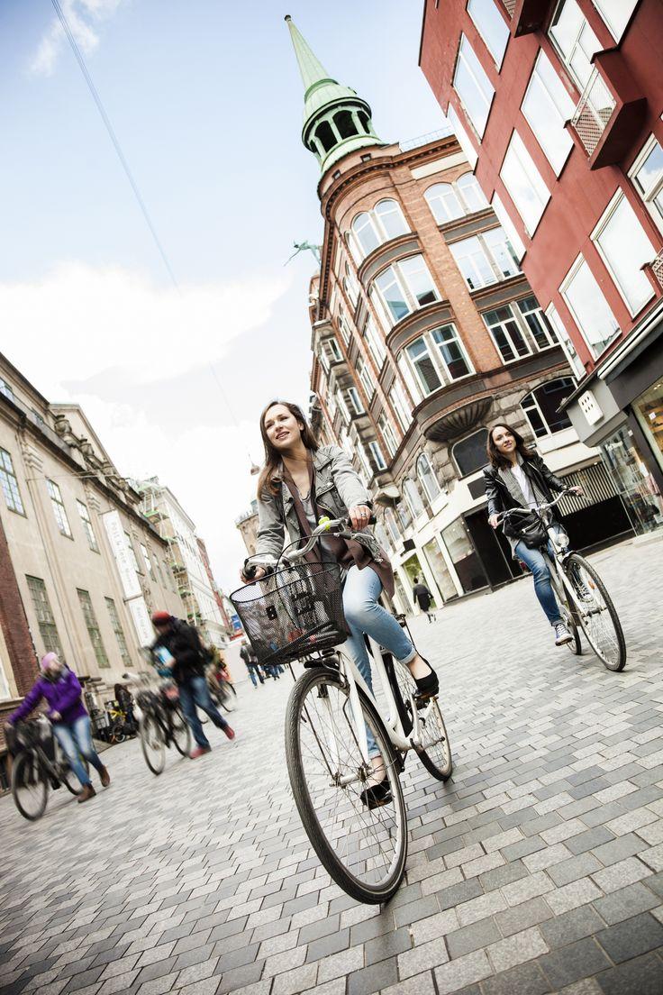 5 roteiros fantásticos de bicicleta pela Europa  - Mulheres ciclismo em Copenhague  Copastur Prime